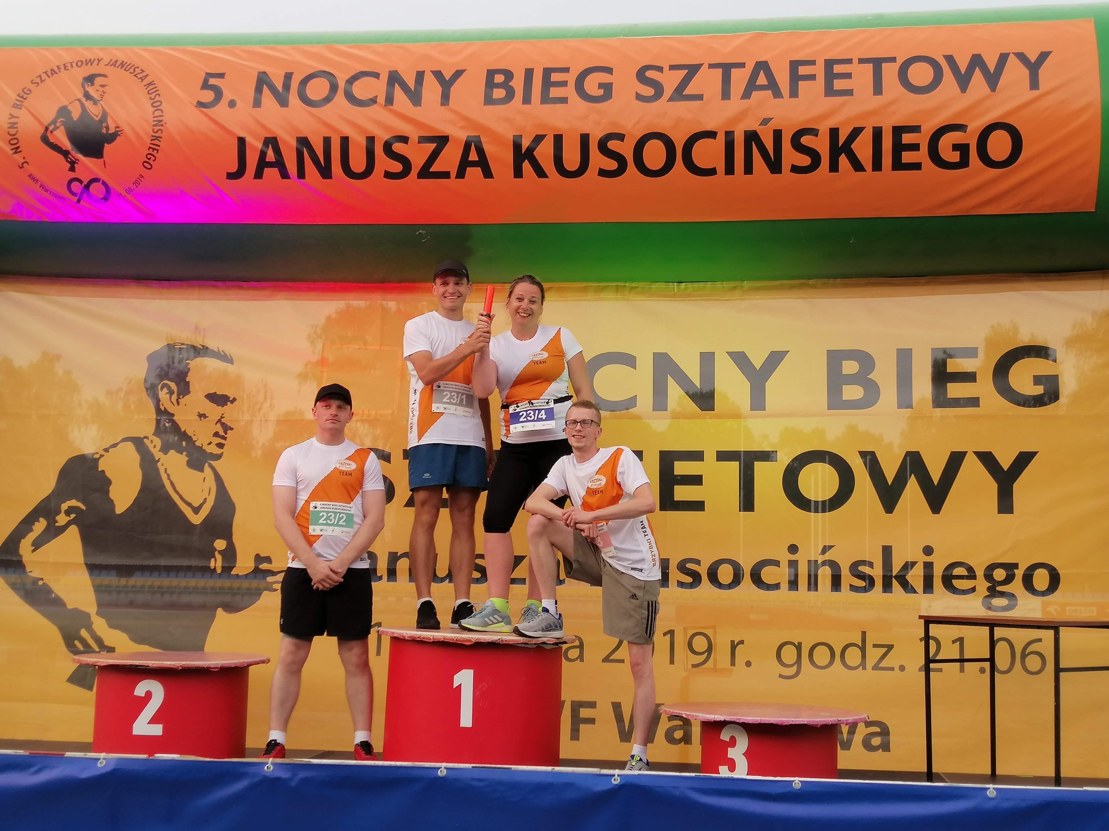 Nasz Dream Team - Ania, Damian, Łukasz i Przemek :)   5. Nocny Bieg Sztafetowy Janusza Kusocińskiego - Warszawa 21 czerwca 2019r.