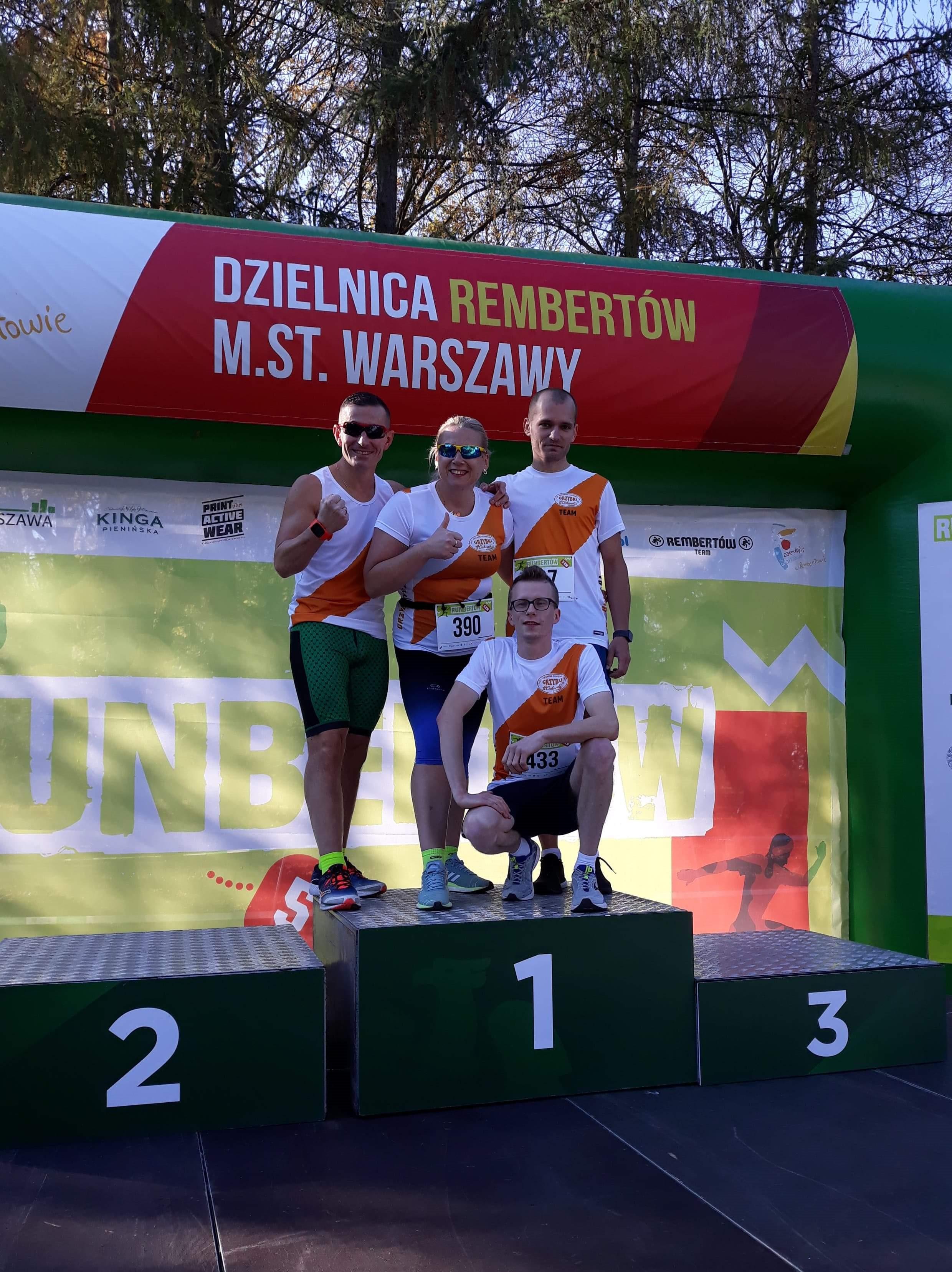 Grzybki Team w komplecie na podium ;) | Runbertów - Warszawa 20 października 2019r.